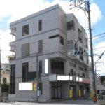 宜野湾市真栄原のビル 1,2階は店舗、3,4階は住居として利用可能!!
